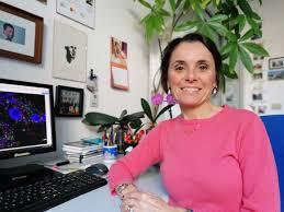 Donna con computer