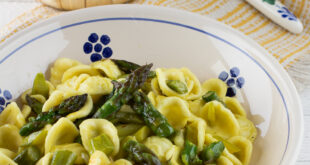 Orecchiette con asparagi: la ricetta originale