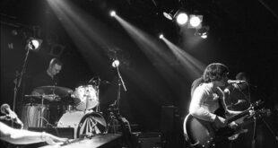 I Camera Oscura e la loro teatralità musicale