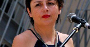 Claudia Crabutza con Frida al premio Parodi