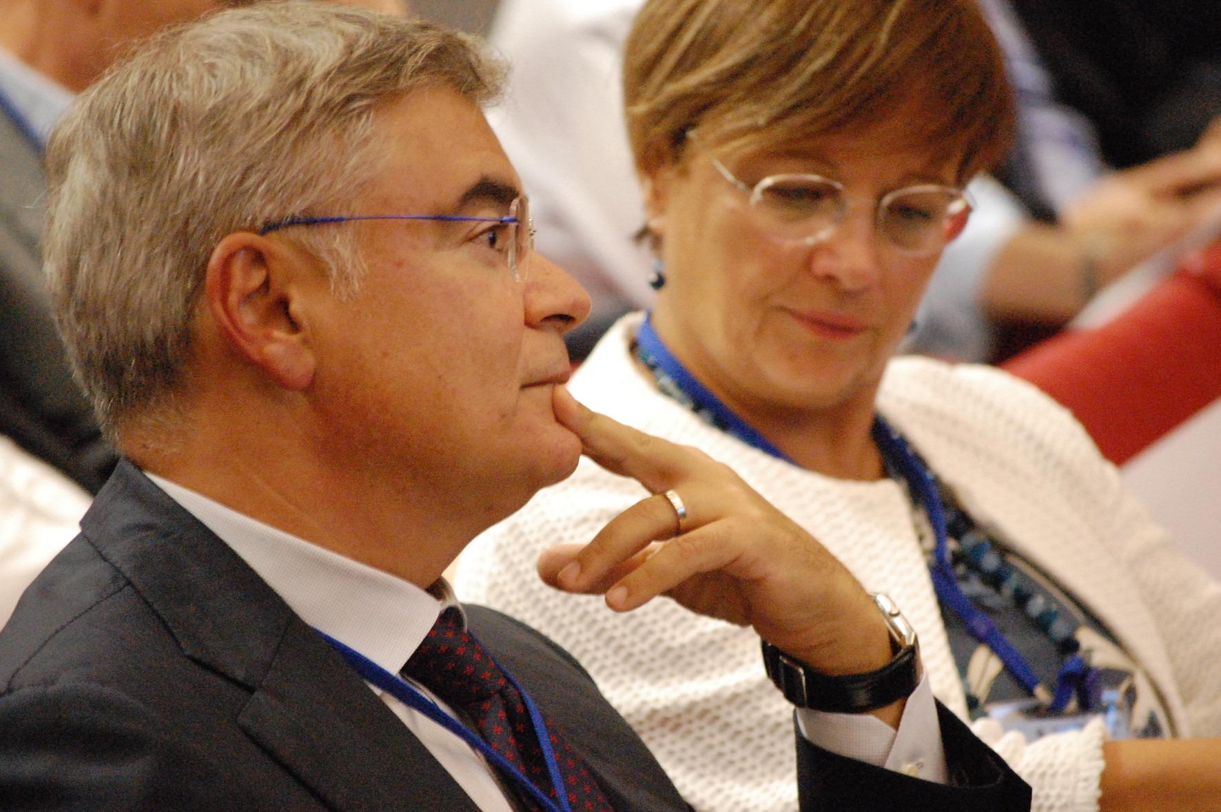 riccardo de lisa con Rossella Locatelli presidente ADEIMF Per la ripresa del Paese occorre rafforzare rapporto  banche e imprese