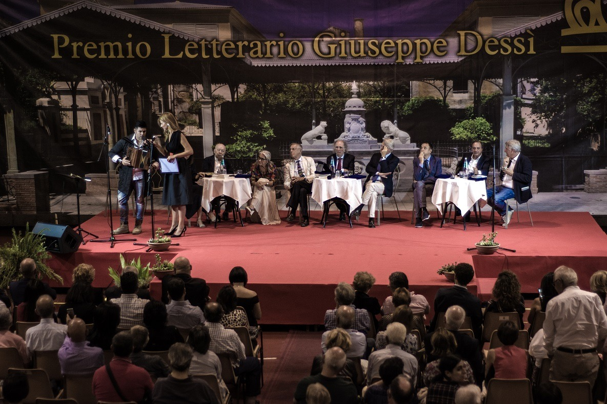 Premio Dessì 2018 Cerimonia di premiazione foto Luisa Cuccu Tosc@no 4 Sandra Petrignani e Alberto Bertoni vincitori premio Dessì 2018