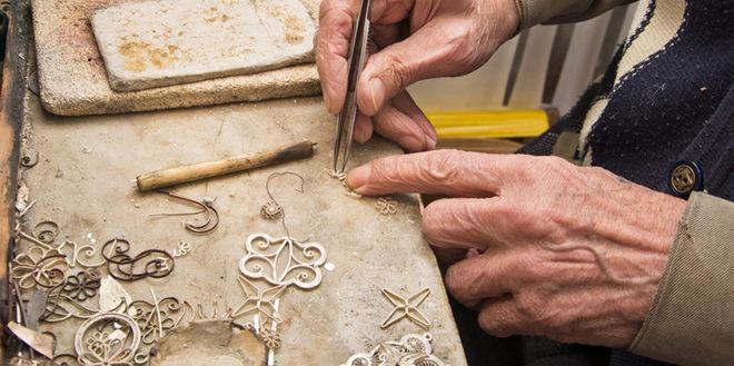 480 artigianato Artigiani in Mostra: l'artigianato all'Hostel Sardinia a Quartu Sant'Elena