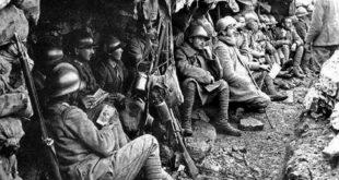Soldati in trincea Prima Guerra Mondiale A tavola con i Diavoli Rossi, iniziative per le celebrazioni della Grande Guerra