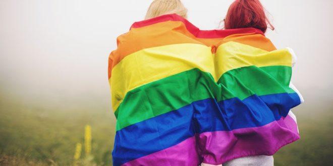 gaywomen LGBT 750x460 L'Ordine dei Giornalisti propone il corso Orientamenti sessuali e Web