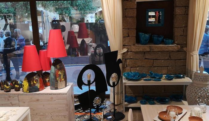 225cb054c01fa96415aaf646ab7574da Costa Smeralda, vetrina pro made in Sardinia cun Insula Village