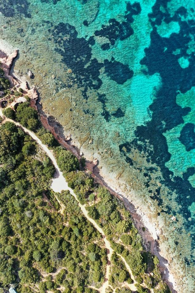 Sardegna 3 credit Katie Kalmykova via Unsplash Sa Top 10 de sas marinas prus populares segundu Holidu