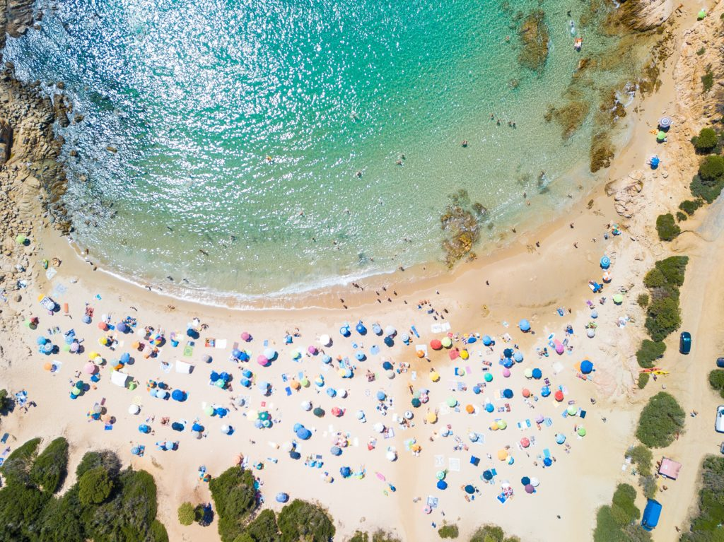 Sardegna 4 credit Emanuele Pinna via Unsplash Sa Top 10 de sas marinas prus populares segundu Holidu
