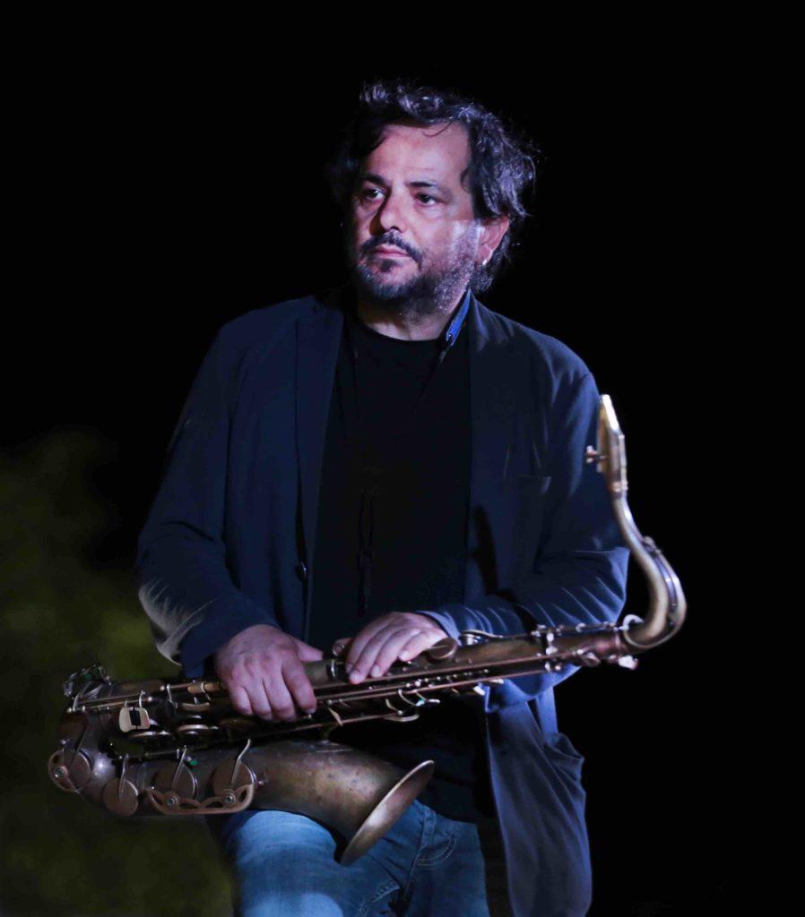 enzo favata ritratto blu Foto Gabriele Doppiu 1 1 In Gallura la quarta edizione del festival San Teodoro Jazz
