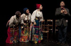 tragodia in scena 1 Istòs, a Mogoro lo spettacolo teatrale dedicato alla tessitura