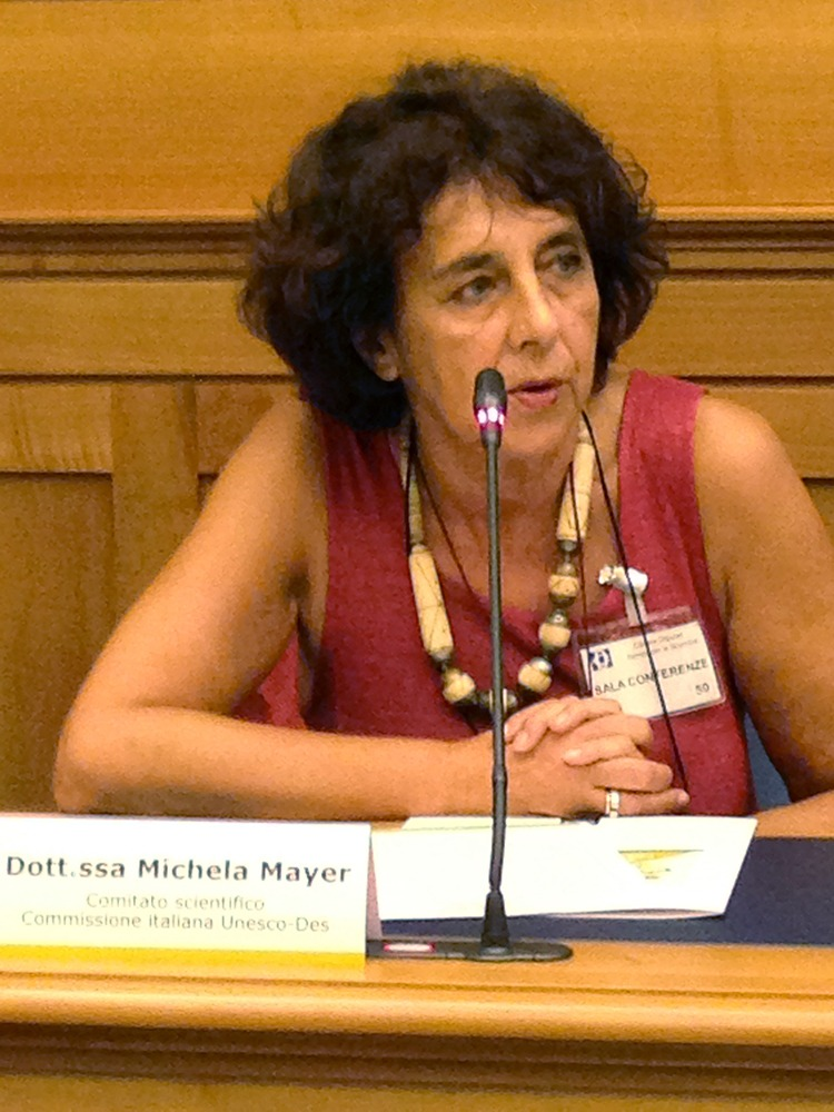 Michela Mayer, Ricercatrice e formatrice della IASS. Tra Scuola e futuri sostenibili.