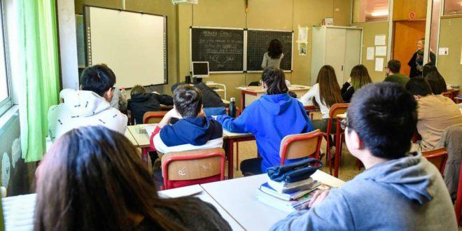 scuola paritaria alunni in aula