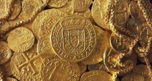 Il mare restituisce antiche monete d'oro e d'argento