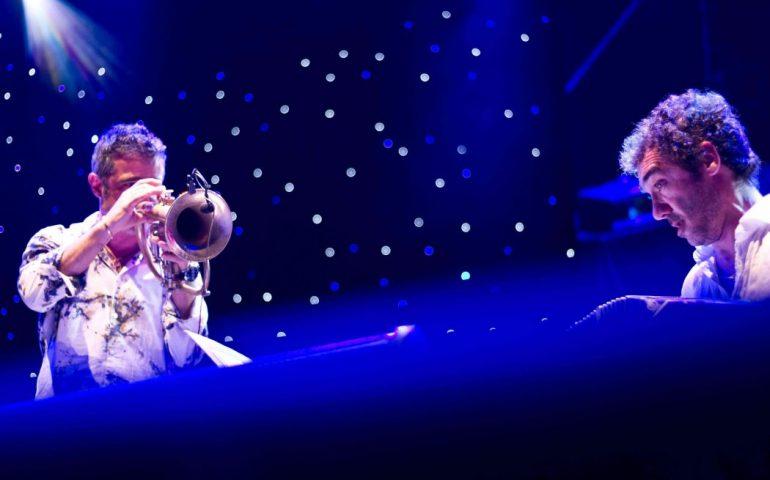 """Paolo Fresu Daniele Di Bonaventura foto Felipe Fuenzalida02 scaled e1595324490106 770x480 1 """"Rocce Rosse Blues"""" con Fresu e di Bonaventura al concerto jazz di Ulassai"""