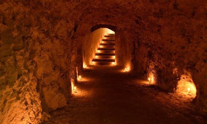 c700x420 1 Visita alla Galleria-Rifugio dei Salesiani con calice di vino