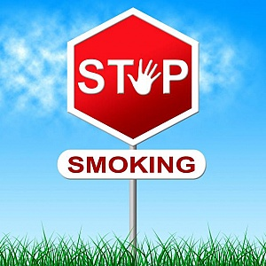 no smoking represents warning sign and danger Stretta dell'Oms sui prodotti del tabacco riscaldato