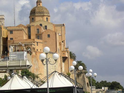 Passeggiata Castello Cagliari