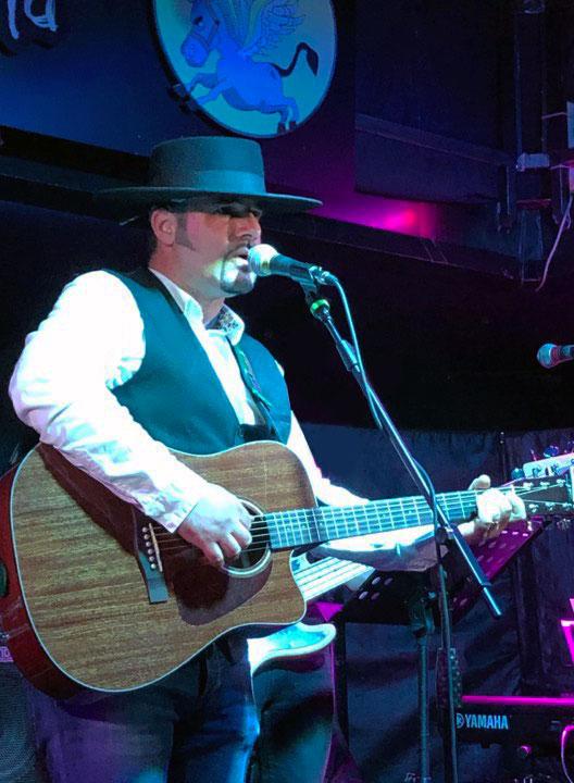 Foto1 5 Francis Q, il musicista sardo che suona folk-country