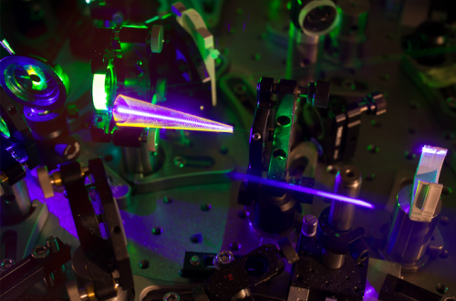 Generazione di impulsi ultrabrevi di luce laser