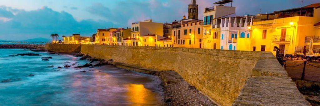 alghero di sera MedGaims per favorire il Turismo esperenziale