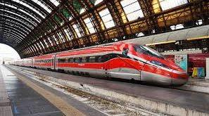 Treno in stazione Trenitalia