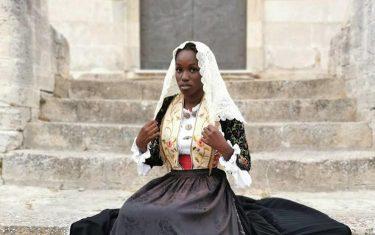 Foto abito tradizionale sardegna donna senegal