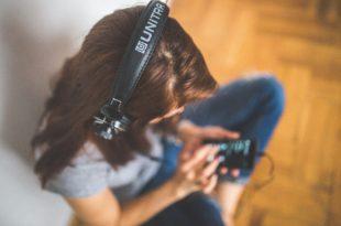 Covid-19, aumento consumo audio giornaliero tra gli over 13 in USA
