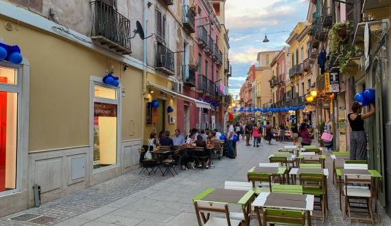 Cagliari notte colorate