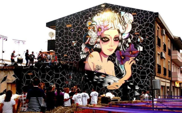 "14358802 1419846258030095 1022052095458276963 n 770x480 1 ""Muri di Sardegna"": la prima guida Street Art"