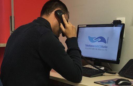 Suicidio, Telefono Amico: «richieste di aiuto raddoppiate»