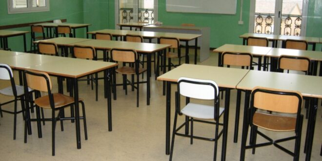 Scuola banchi sindaci preoccupati