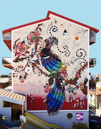 """la pavoncella sarda giorgio """"Muri di Sardegna"""" la guida street art fa tappa a Guspini"""