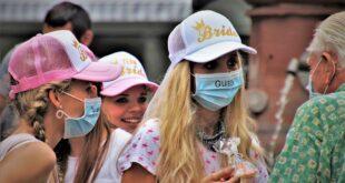 teens 5533704 960 720 2 Sindaco Sulcis, mascherine davanti a scuole e fermate bus