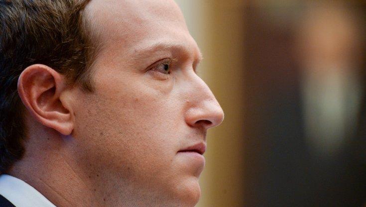 Facebook si prepara al caos delle elezioni Usa: blocco dei post virali e modifiche all'algoritmo Galaxy Z Flip 5G, il futuro in anteprima