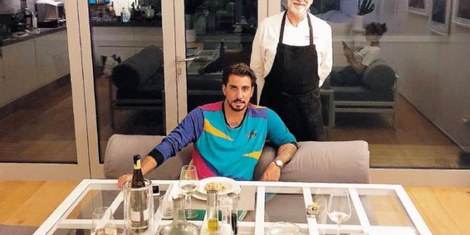 Uomo in ristorante