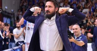 Basket: la Dinamo di Pozzecco sorride anche in Europa