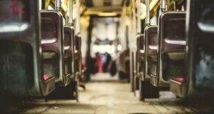 scuola, calca sui bus