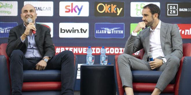 Calcio: Godin day, neo acquisto rossoblù presentato ai tifosi