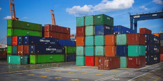 Primo aumento su base annua dell'export italiano da febbraio 2020
