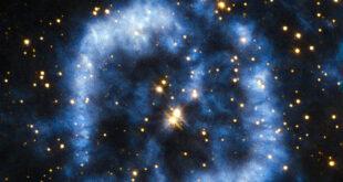 Nebulosa Ostrica: stella morente rilascia nello spazio i suoi strati esterni