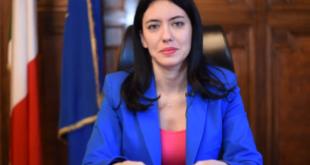 La Ministra Azzolina alla riunione del Consiglio dei Ministri