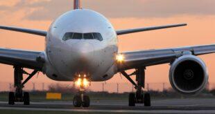 Tariffe biglietti aerei triplicate per Natale