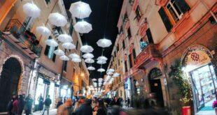 Luci e colori in galleria: Sassari, galleria Cavour