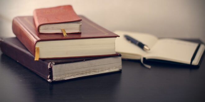 books 690219 1920