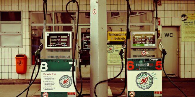 petrol stations 1275484 1920