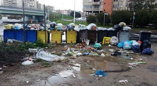 rifiuti cagliari basta abbandono
