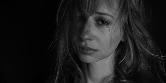 tears 4551435 1920 1