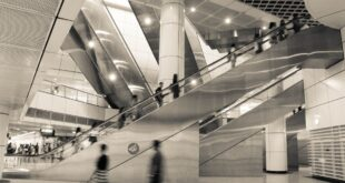 escalator 2252517 1920