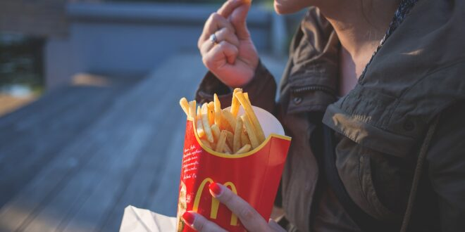 french fries 1851143 1920