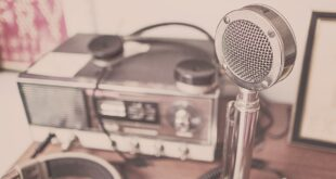 microphone 2627991 1920